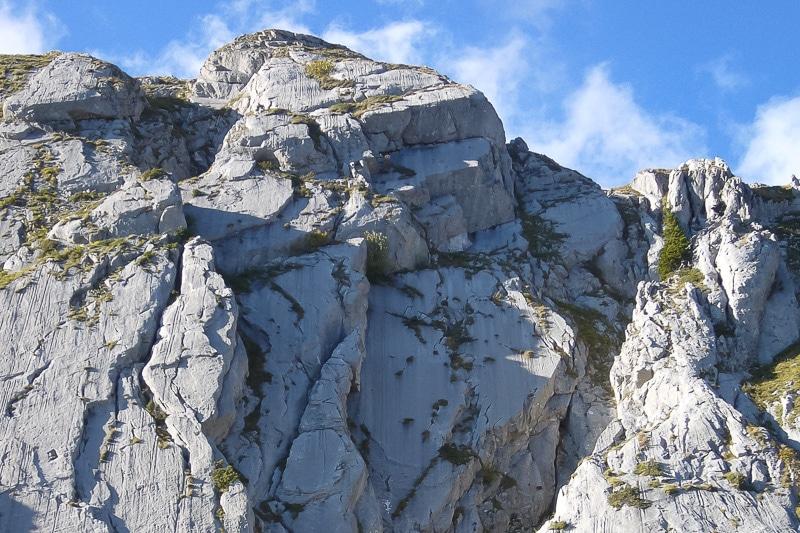 El Condor : la voie passe tout droit au centre de l'image