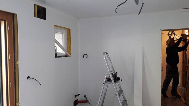 La cuisine après réfection des murs